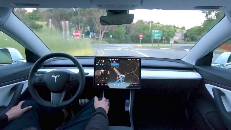 Tesla ofrecerá suscripción por la utilización de la conducción autónoma
